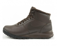 Nike sneaker hoodland leather